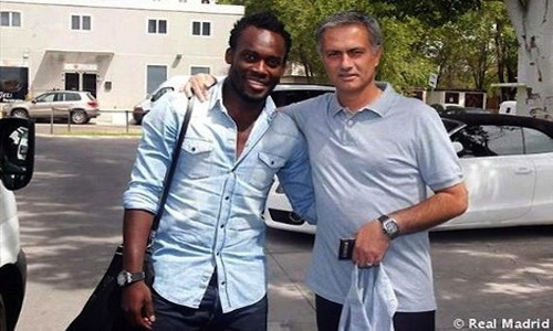 Michael Essien with his 'daddy' Jose Mourinho, shortly after arriving in Iberia.